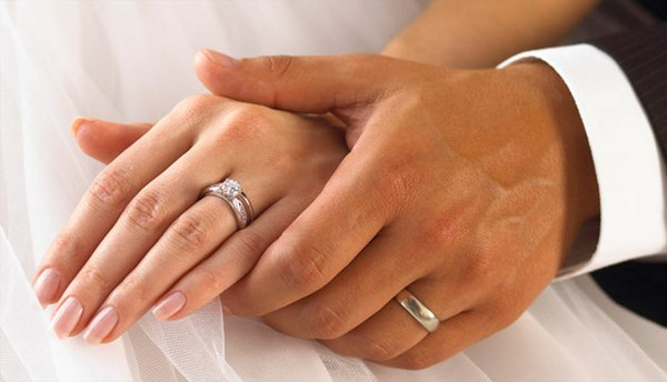 Из чего сделано кольцо — решать мужчине. Фото с сайта www.liveinternet.ru