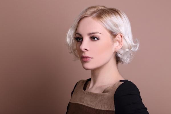 Укладка на короткие волосы. Фото: rico287 - Fotolia.com