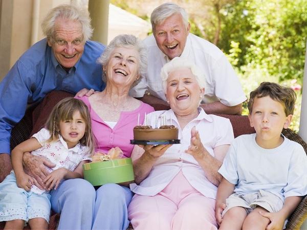 Семья рядом — главный подарок бабушке