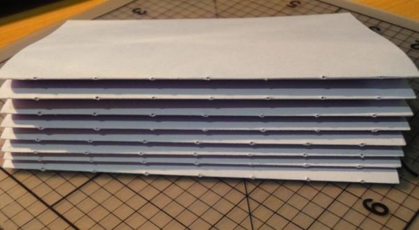 Согнутые листы с проделанными отверстиями. Фото с сайта http://www.happy-giraffe.ru/
