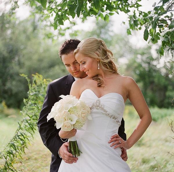 Гармонично и стильно: невеста с букетом из калл. Фото с сайта www.flickr.com