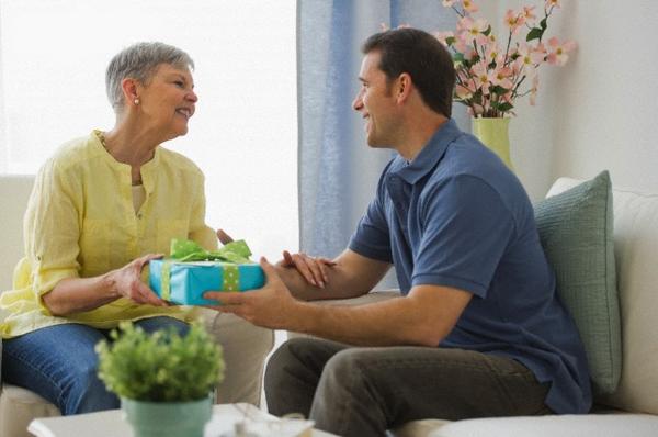 Выбираем подарок теще. Фото с сайта darillo.com/