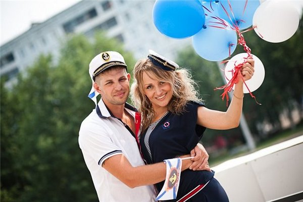 Выбираем наряд для морской вечеринки. Фото с сайта kemdetki.ru