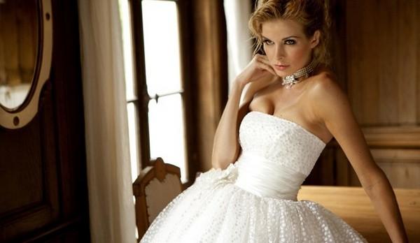 Пышное, воздушное свадебное платье. Фото с сайта www.stilnos.com
