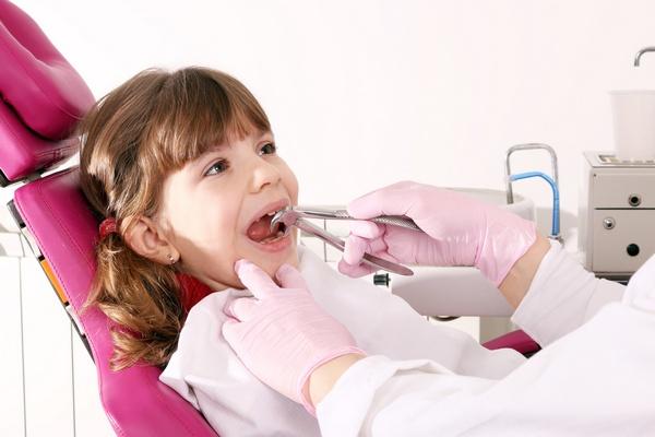 Чтобы удаление зубов прошло удачно для малыша. Фото:  goce risteski - Fotolia.com