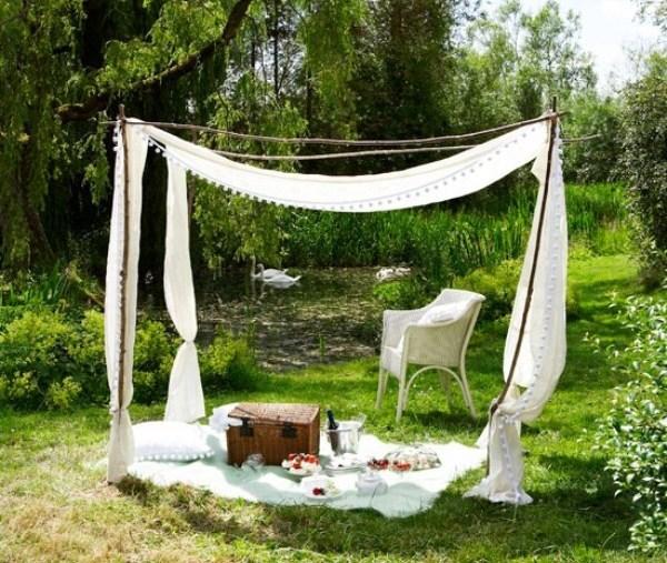 Самодельный шатер  просто и красиво. Фото с сайта designtorg.ru